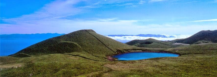 אחד מהאגמים על פיקו
