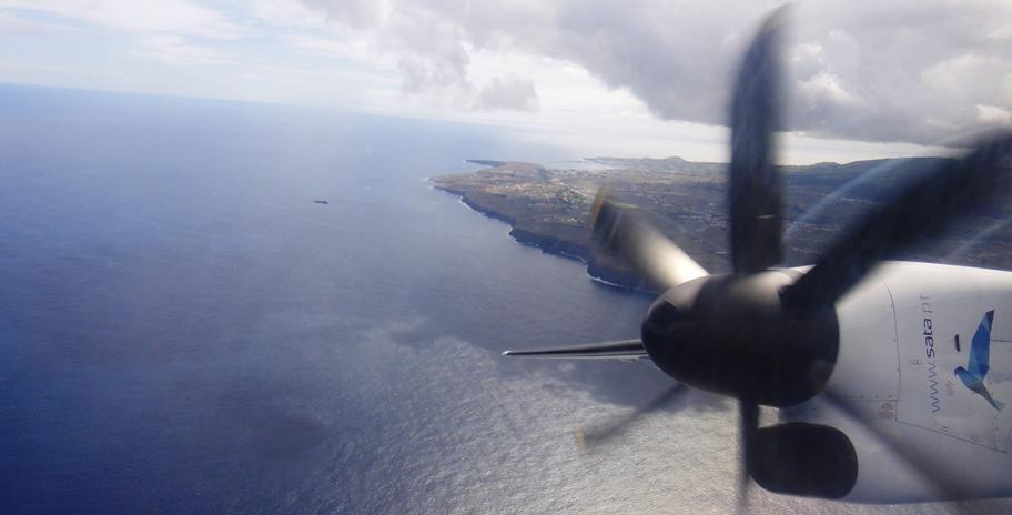 אפשרויות טיול באיים האזוריים - טיסה