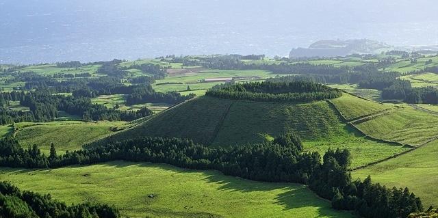 נוף טיפוסי באיים האזוריים