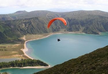טרקטורוןן מעופף באגם פוגו