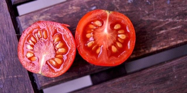 עגבניות חתוכות