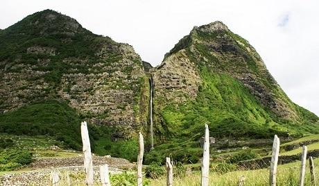 רצועת המפלים Poço do Bacalhau ו-Ribeira Grande
