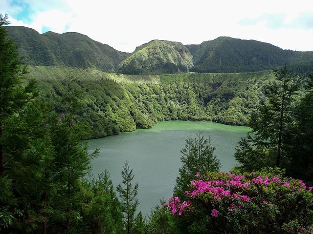 האגמים בסאו מיגל