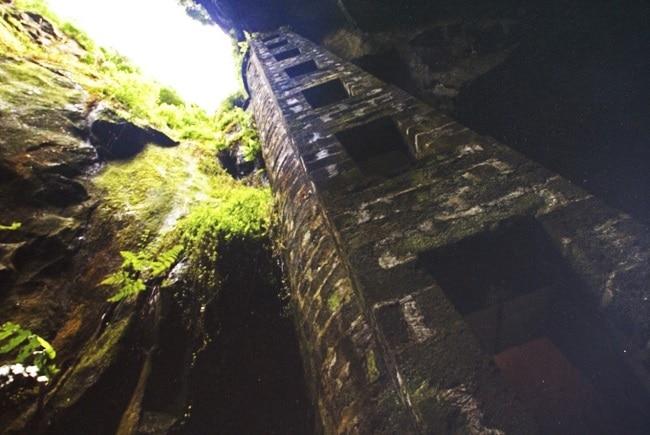 מגדל הכניסה למערה