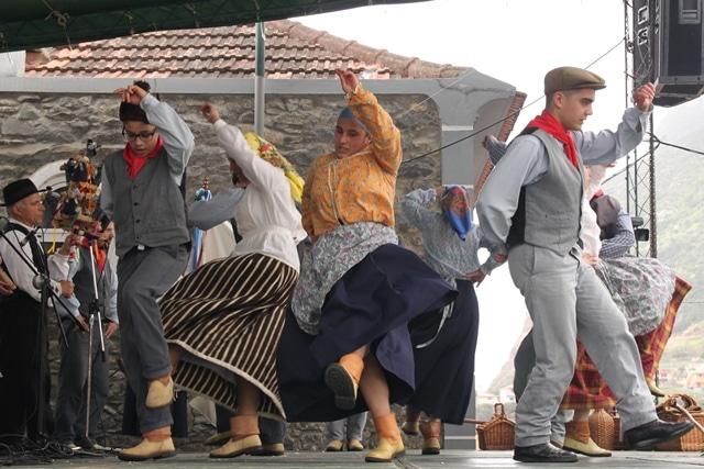 חוגגים בפסטיבל São João באי פאיאל