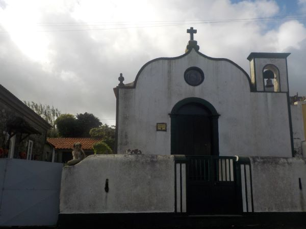 הכנסייה לאורך שביל Atalho Dos Vermelhos