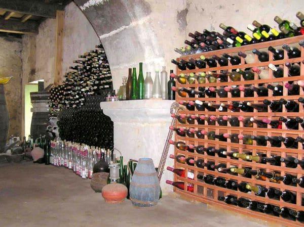 מרתף היין במוזיאון היין בטרסיירה