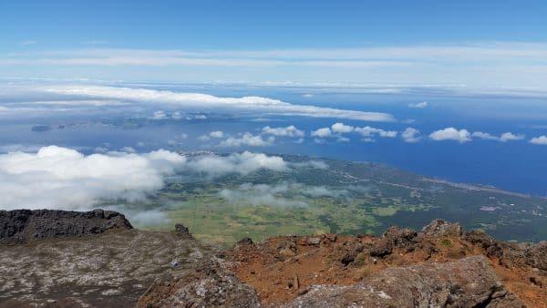 הנוף מפסגת הר הגעש פיקו