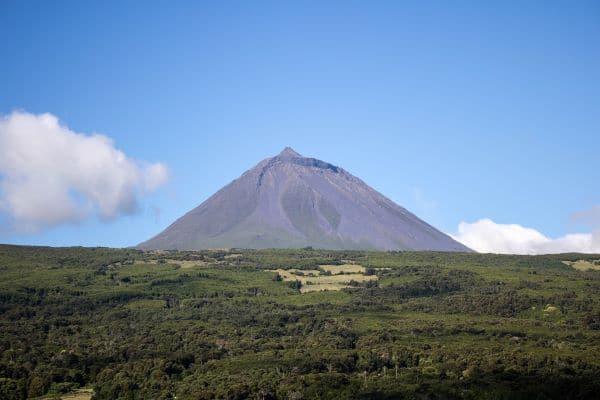 הר הגעש פיקו - מבט מתחילת המסלול