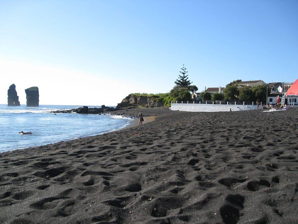 חוף  Mosteiros