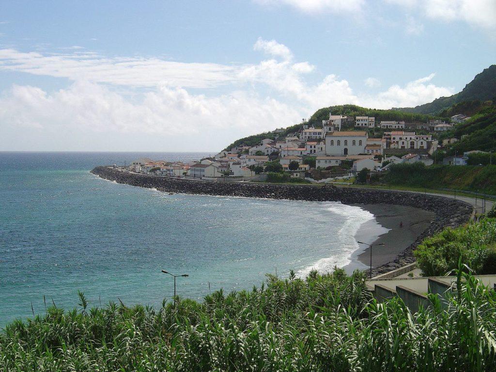 חוף Ribeira Quente
